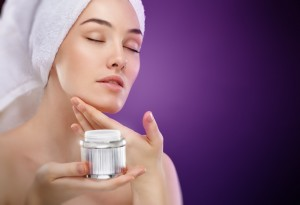 Vine-Vera-Skin-Care-Mistakes-to-Avoid-Not-Using-Night-Creams