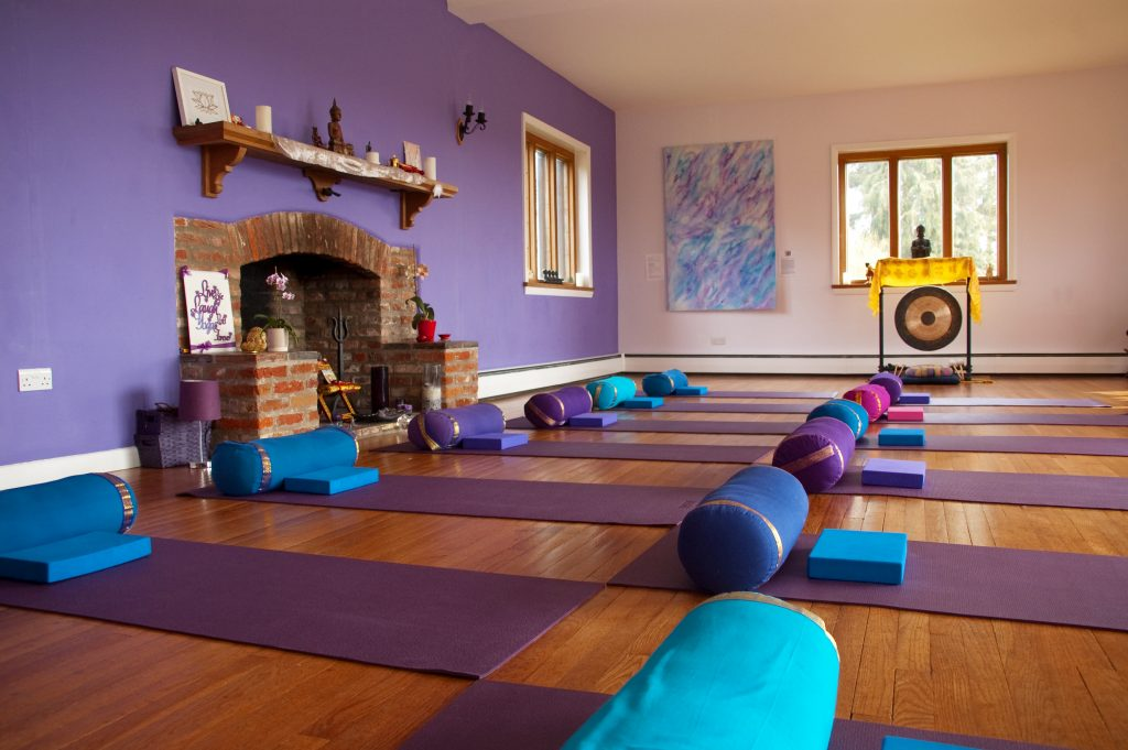 jo de rosa inner guidance yoga room