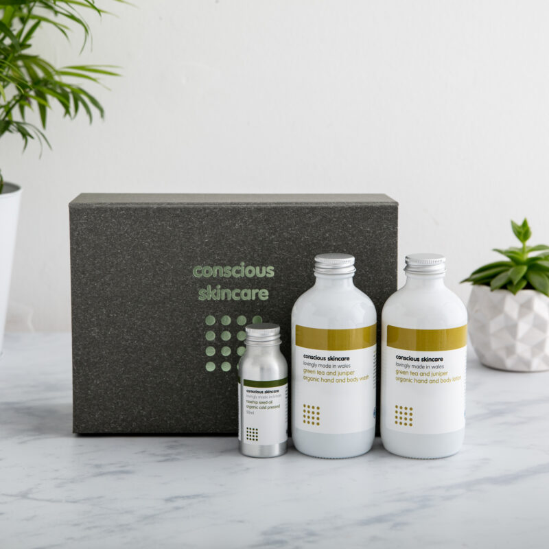Win a Luxury Organic Green Tea and Juniper Gift Set from Conscious Skincare worth £40!